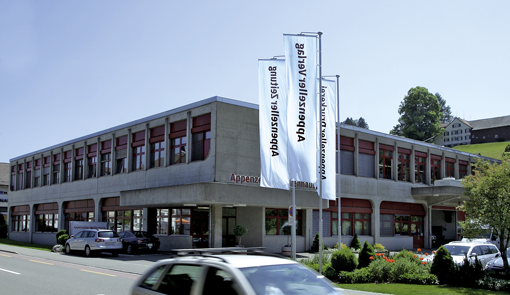 The launch of the Preproofer 790/990 raised the interest of Appenzeller Medienhaus Ltd. at Herisau, Switzerland, who again were among the first users.
